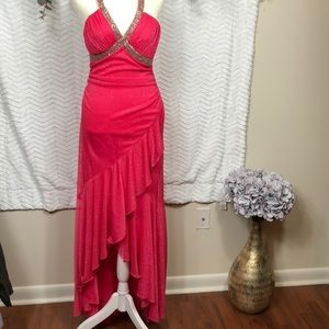 City triangles gown , size Jr. medium, hot pink